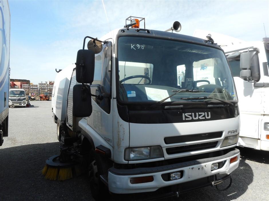 2005 Isuzu FRR 500 Sitec 190 4 x 2 Sweeper Truck <l