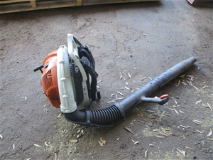 Stihl BR550 Back Pack Petrol Blower