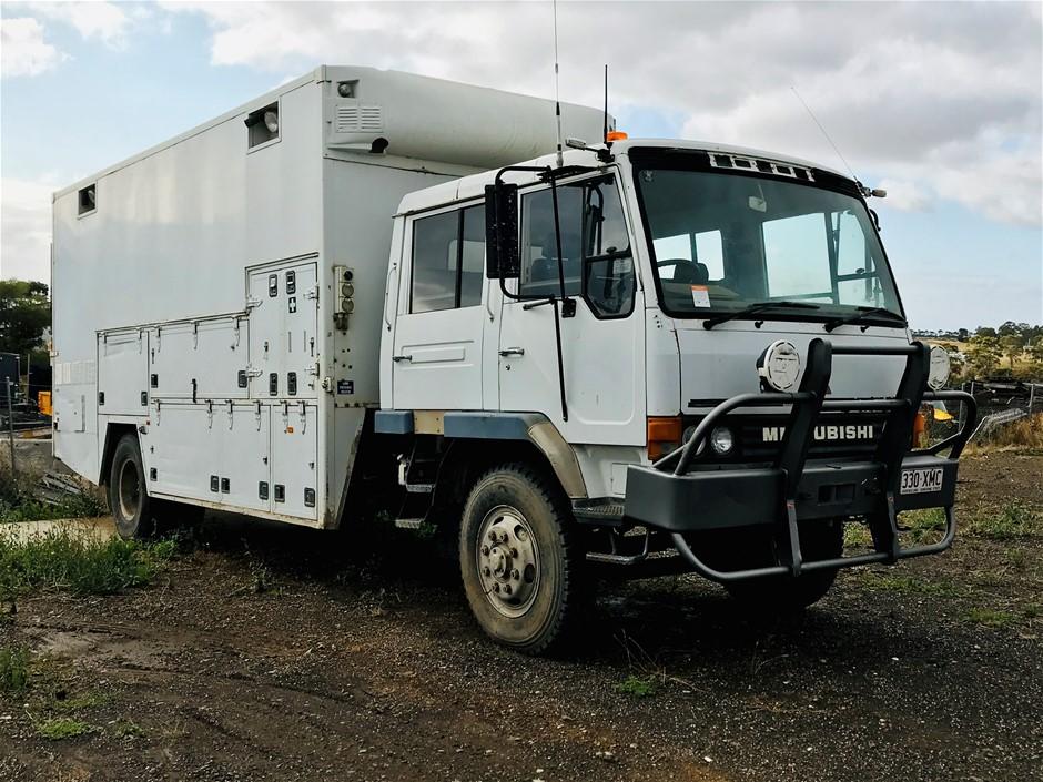 1995 Mitsubishi FM Series 4 x 2 Service Truck