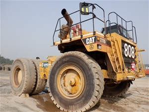 2000 Caterpillar 777D Rigid Dump Truck (