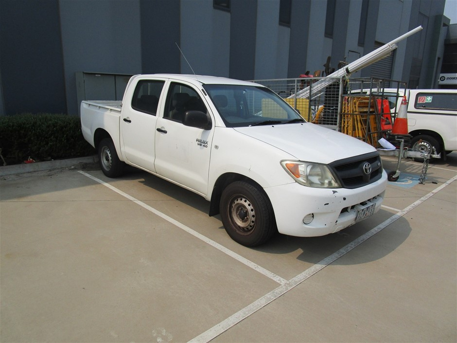 Toyota Hilux RWD Automatic Dual Cab Ute
