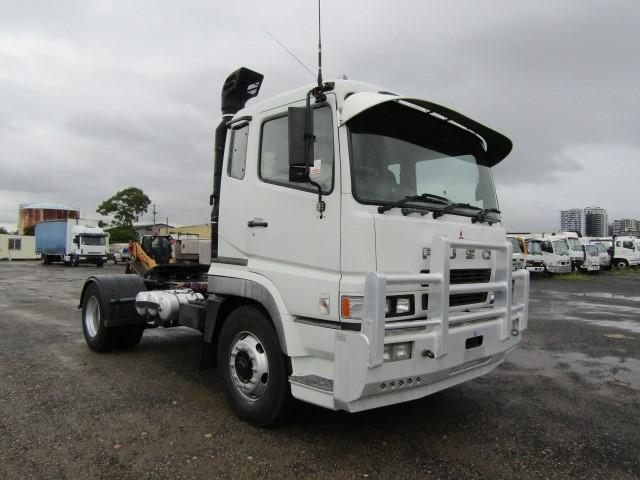2010 Mitsubishi Fuso 4 x 2 420HP Prime Mover Truck