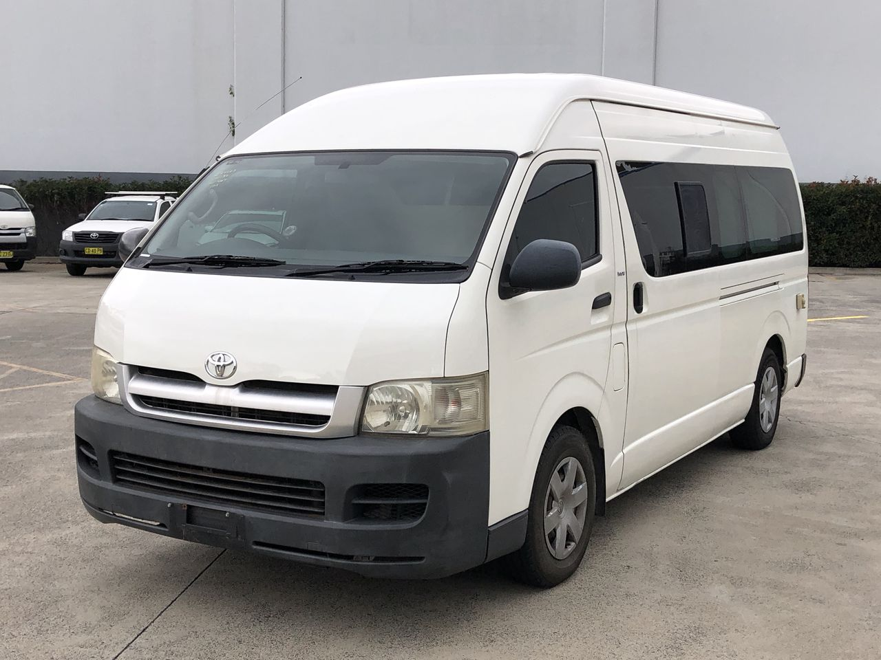 2007 Toyota Hiace Commuter TRH223R Automatic Bus