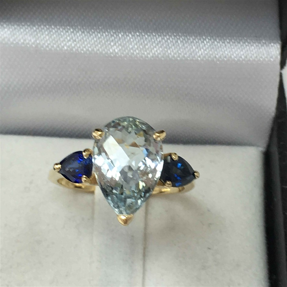 18ct Yellow Gold, 4.44ct Aquamarine and Blue Sapphire Ring