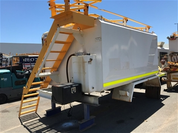 2013L Water Tanker on Truck Chassis