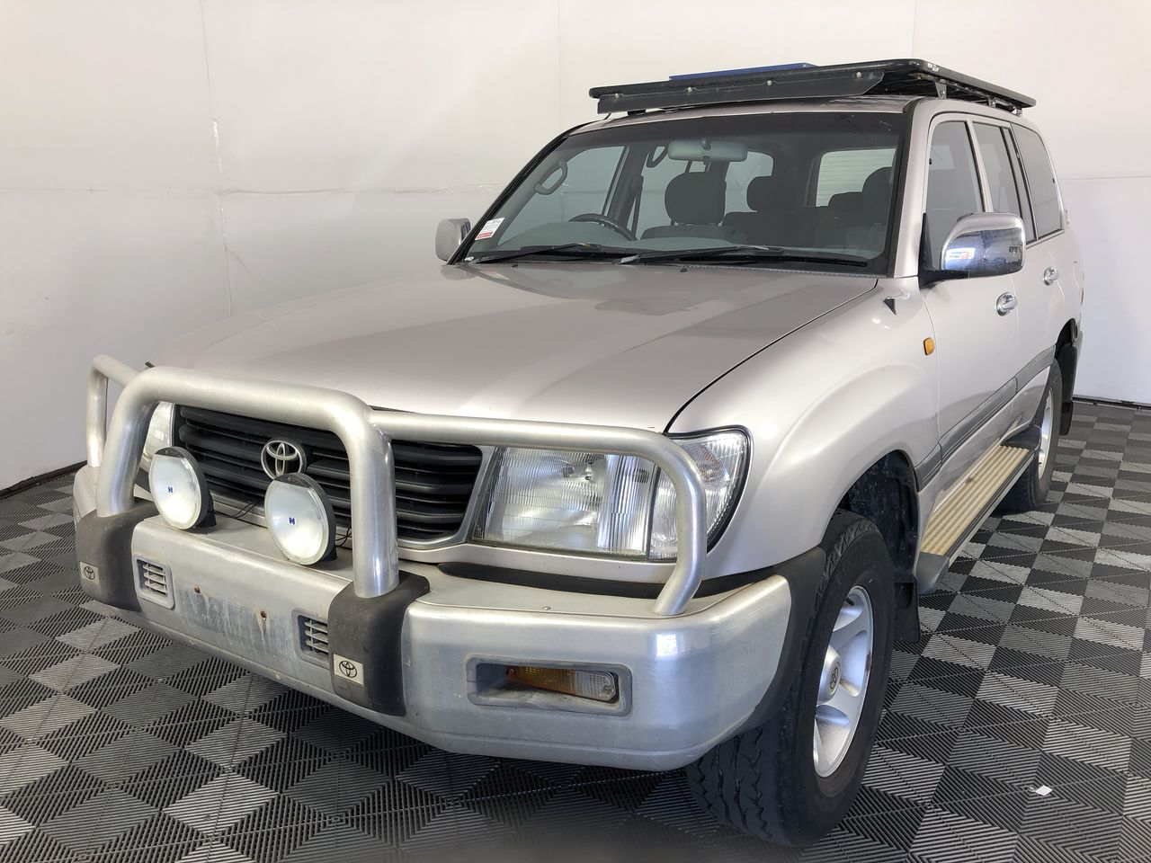 1999 Toyota Landcruiser RV 4WD FZJ105R Automatic 7 Seater