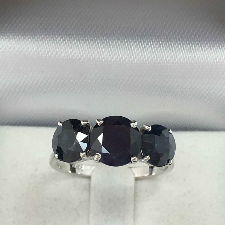 18ct White Gold, 4.41ct Blue Sapphire Ring