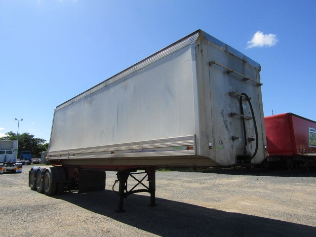 2007 Maxitrans HXW ST3 Triaxle Tipper A/B Double Combination