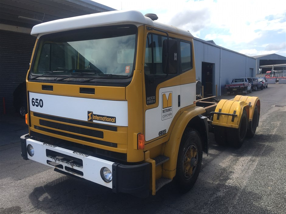 1996 ACCO CUMMINGS 2350G 6 X 4 TRUCK
