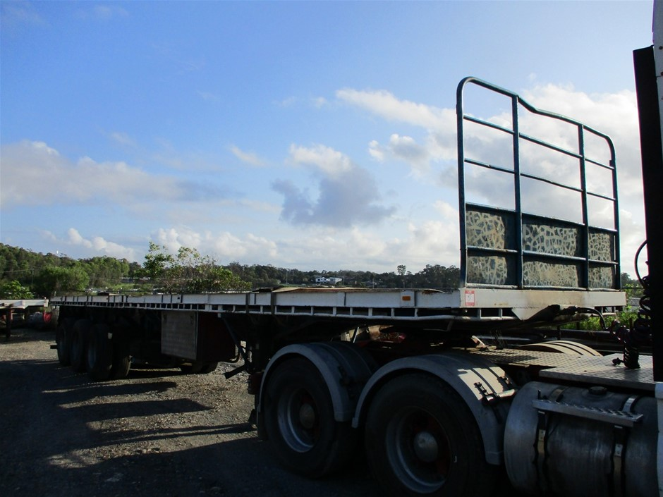 1978 Haulmark Triaxle Extendable Trailer