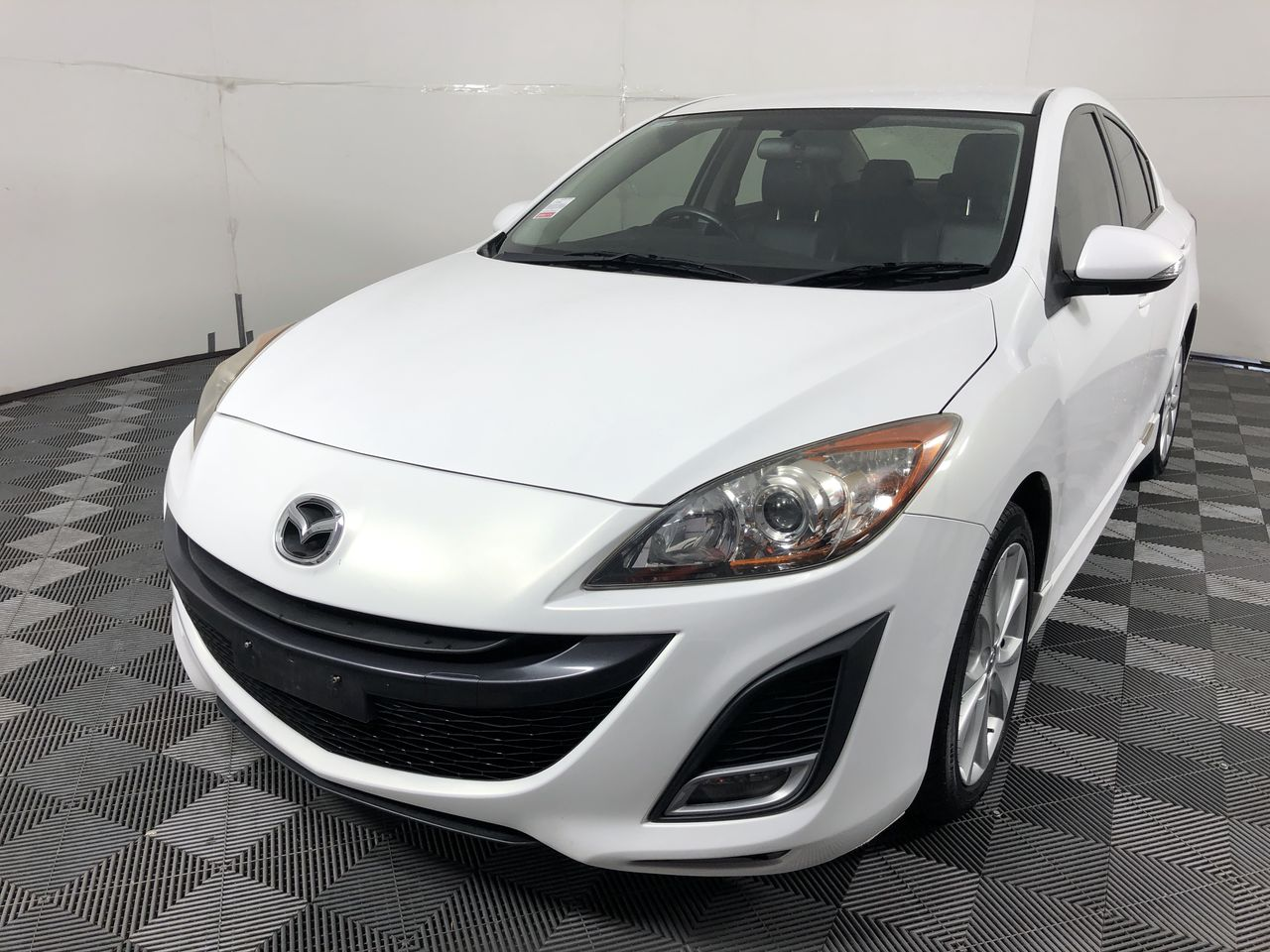 2011 Mazda 3 SP25 Luxury Sedan 90,184km