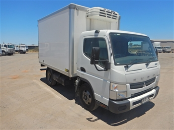 2016 Mitsubishi Fuso Canter 7/800 4x2 Refrigerated Body Truck