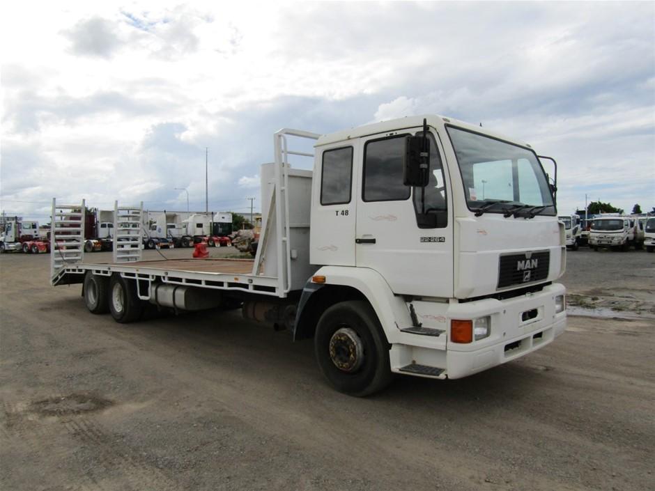 1999 MAN 22-264 SE 6 x 2 Beavertail Truck