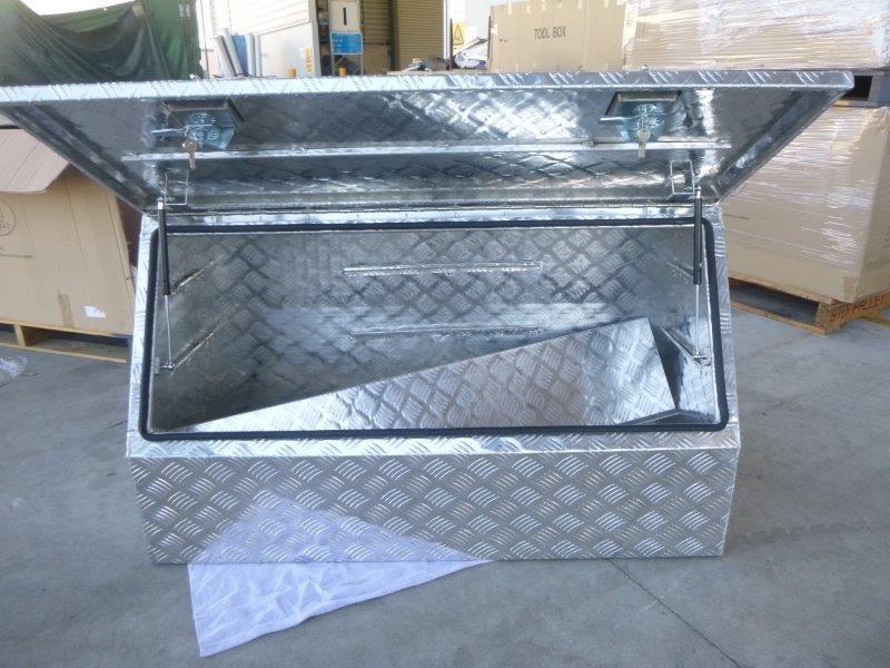 Wombat WSA 1220 Aluminium Checkered Plate Toolbox (Bid Price Per Toolbox)