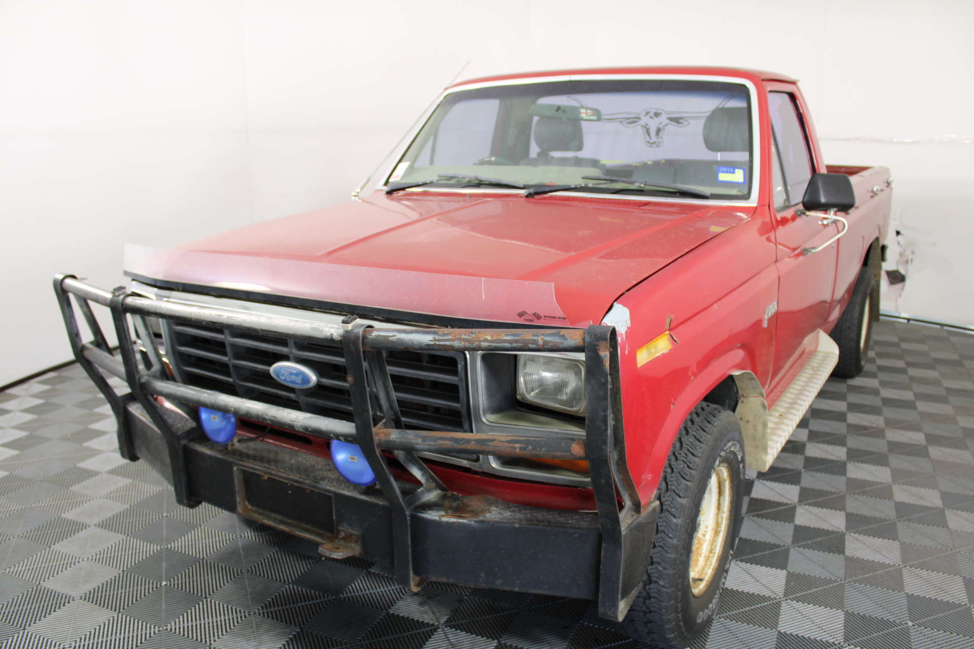 1984 Ford F100 Country Truck