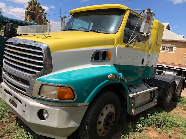 2007 Sterling Lt 9500 6 x 4 Prime Mover Truck