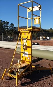 Couger Platform Lift, Model: BILJAX XLR 2400,