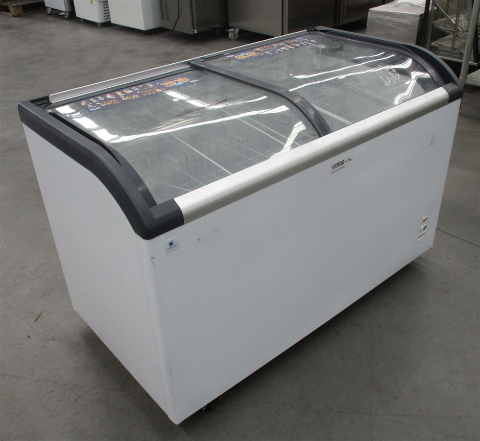 Cold display solutions SD-420Q Mobile display chest freezer