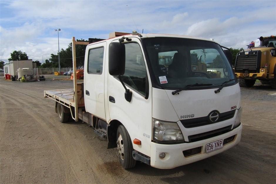 2012 Hino 300 Series 2 4 x 2 Tray Body Truck
