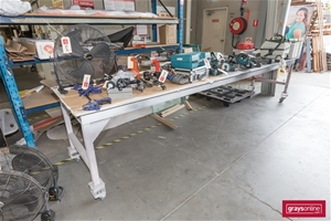 1 x Mobile Work Bench