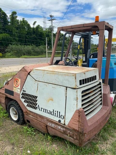 2000 Sweeper Armadillo SW / 9X