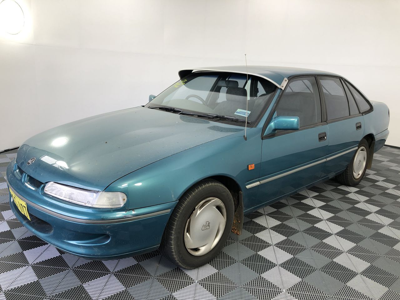 1994 Holden Commodore Acclaim VR Automatic Sedan