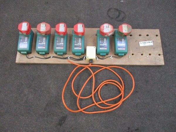 Qty 6 x Makita Batteries with Chargers