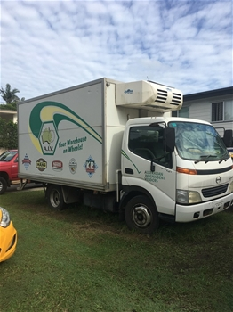 2001 Hino Dutro 4 x 2 Refrigerated Body Truck