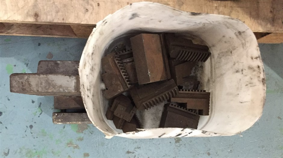Tub Comprising Lathe Chuck Jaws & Accessories