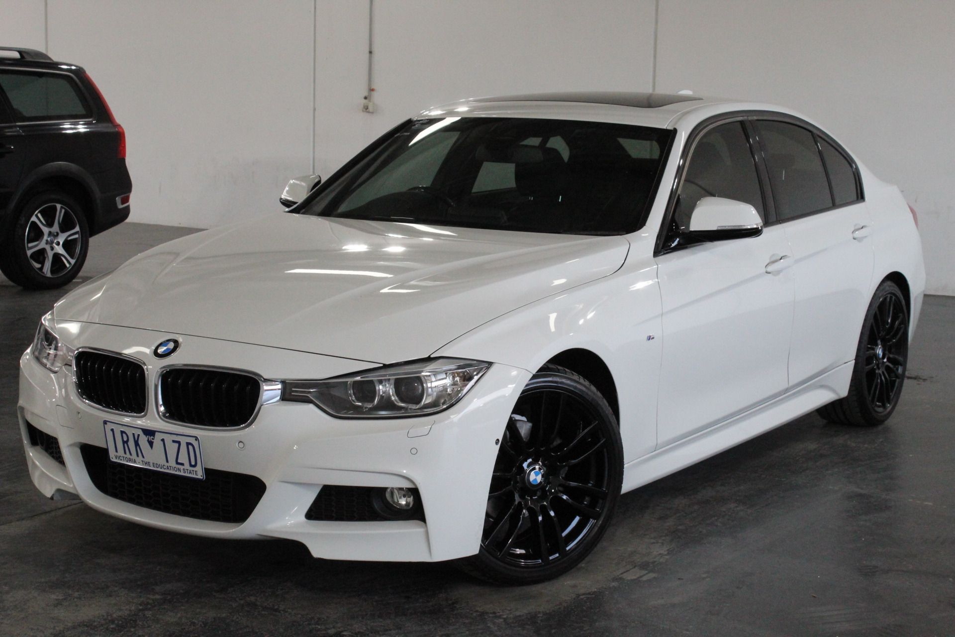 2015 BMW 3 Series 320i F30 Automatic - 8 Speed Sedan