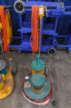 Industrial Outdoor Vacuum Cleaner Victa Vac Master Series