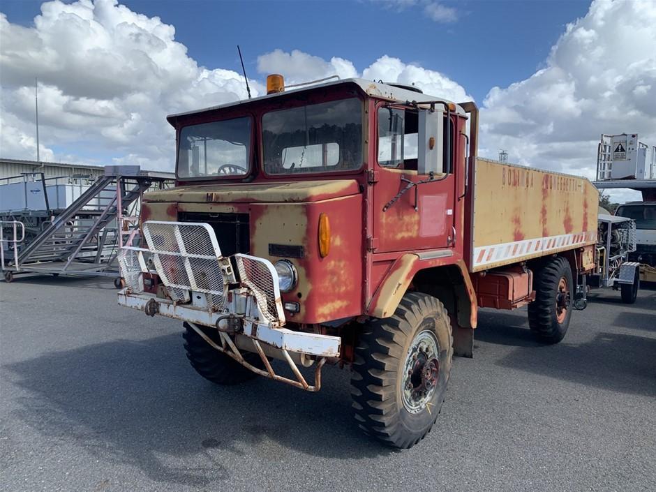 Circa 1972 International Acco MK3 4 x 4 Tray Body Truck