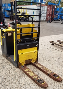 2013 Hyster LO2.0 2.0 Tonne Stand On Ele