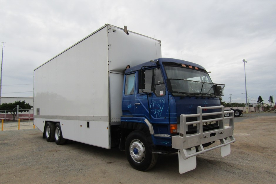 1991 Mitsubishi FP418fS Pantech Truck