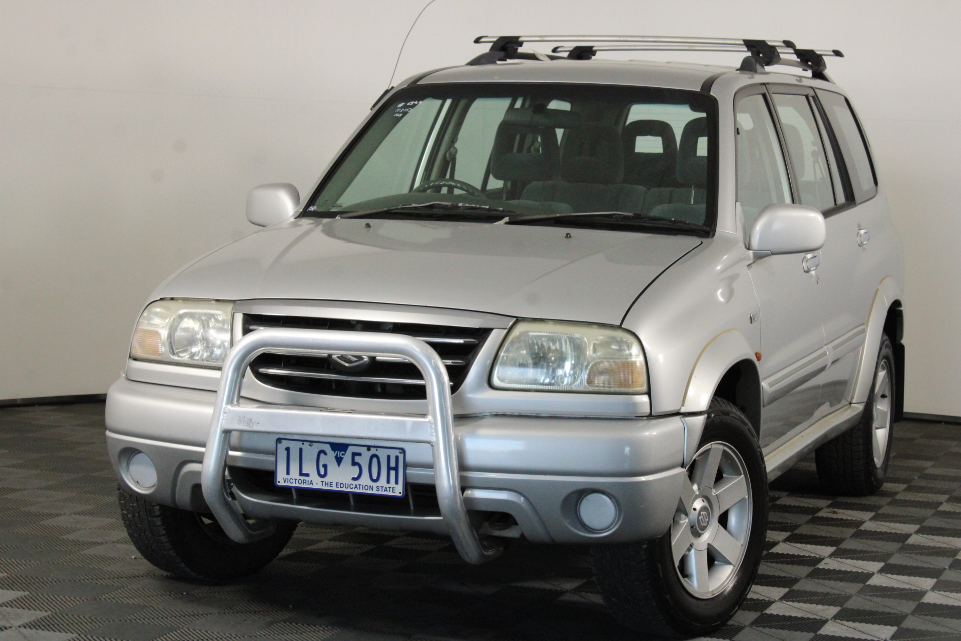 2002 Suzuki XL-7 (4x4) XL-7 Manual 7 Seats Wagon