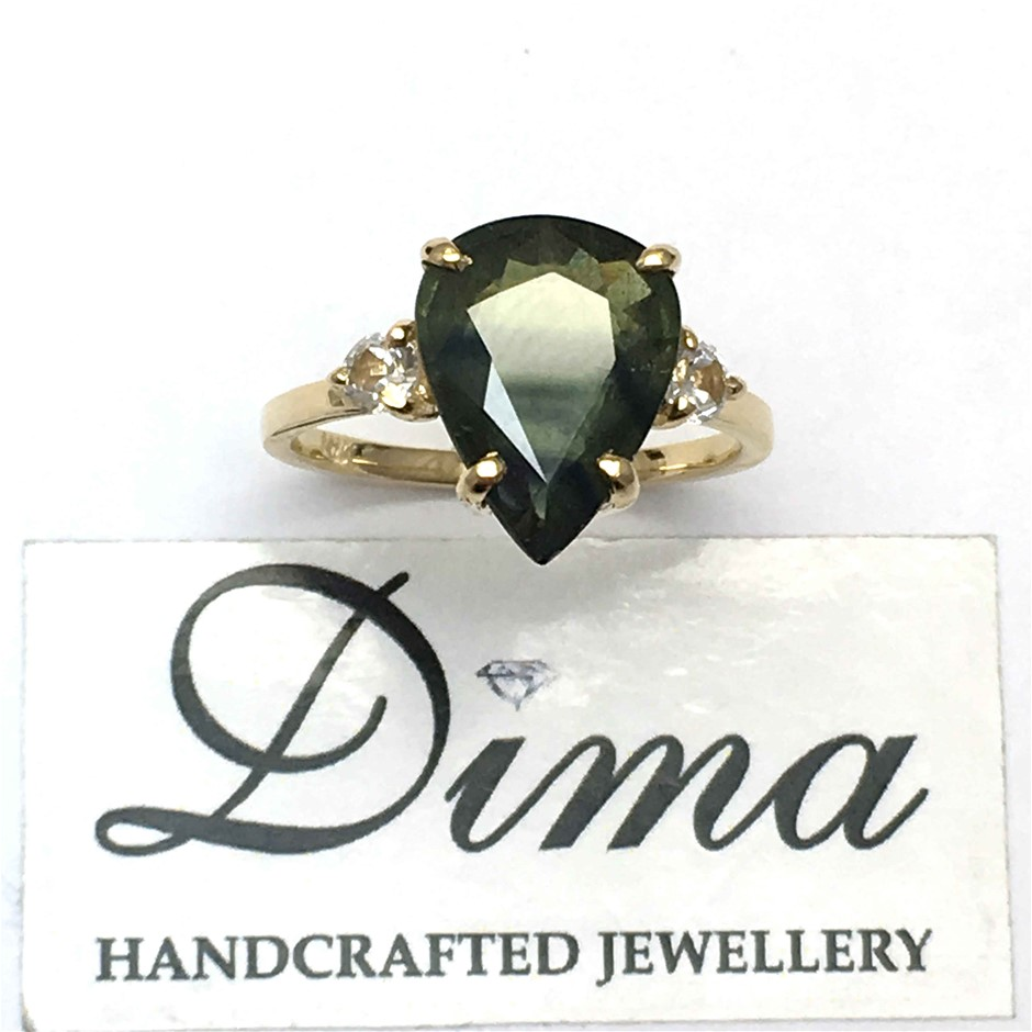 18ct Yellow Gold, 5.40ct Green Sapphire Ring