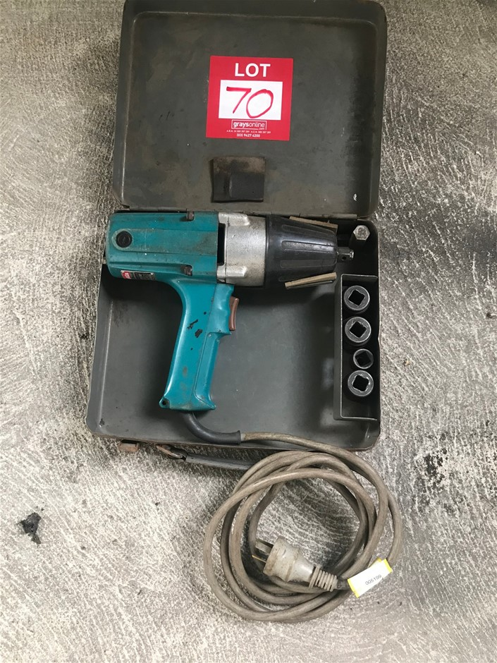 1/2 Inch Makita Impact Wrench. With Case. Single Phase