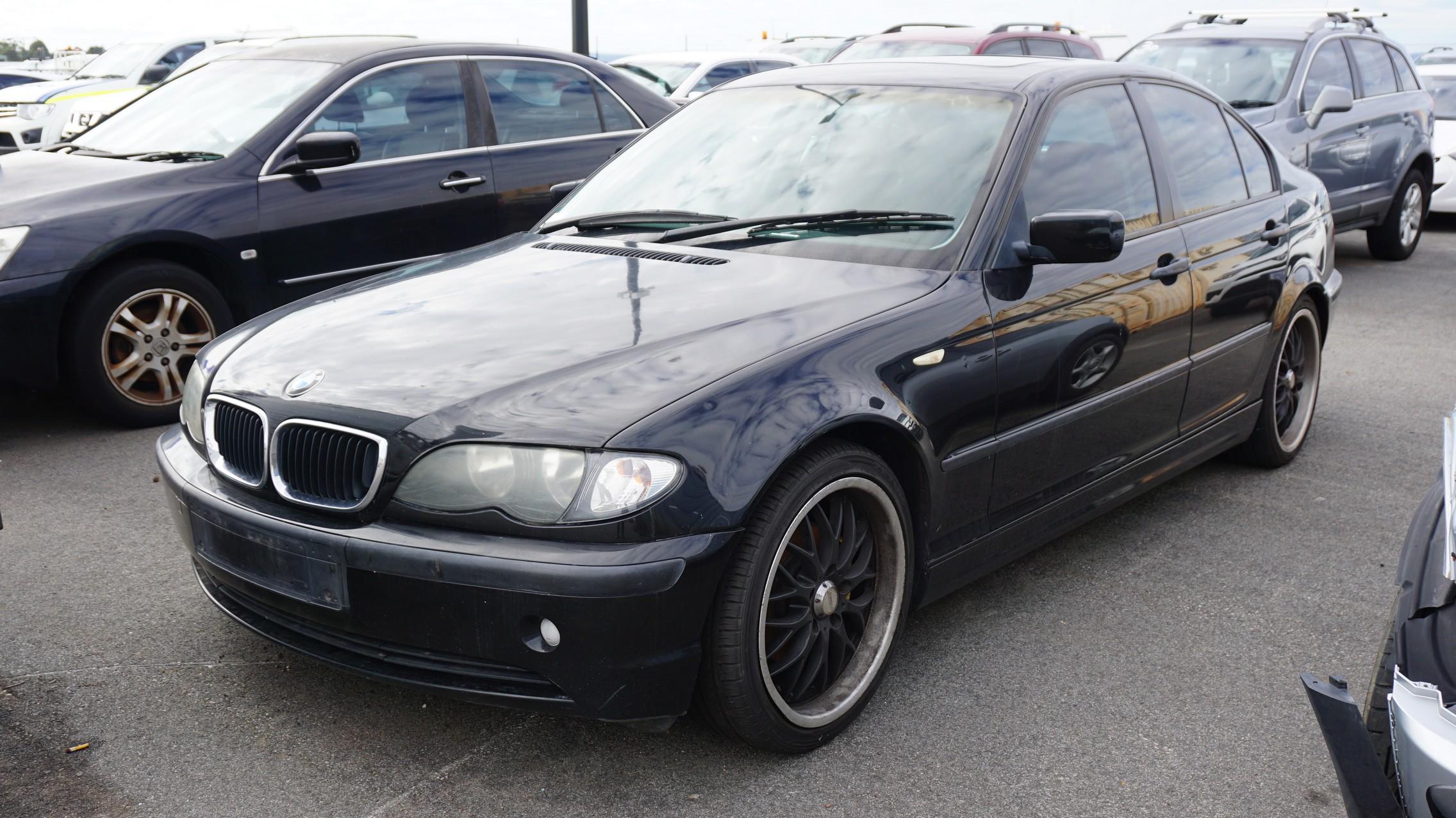 2002 BMW 318i E46 Manual Sedan