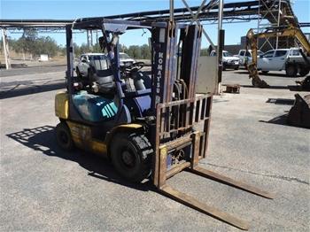 Komatsu FD25T-12 4 Wheel Counterbalance Forklift