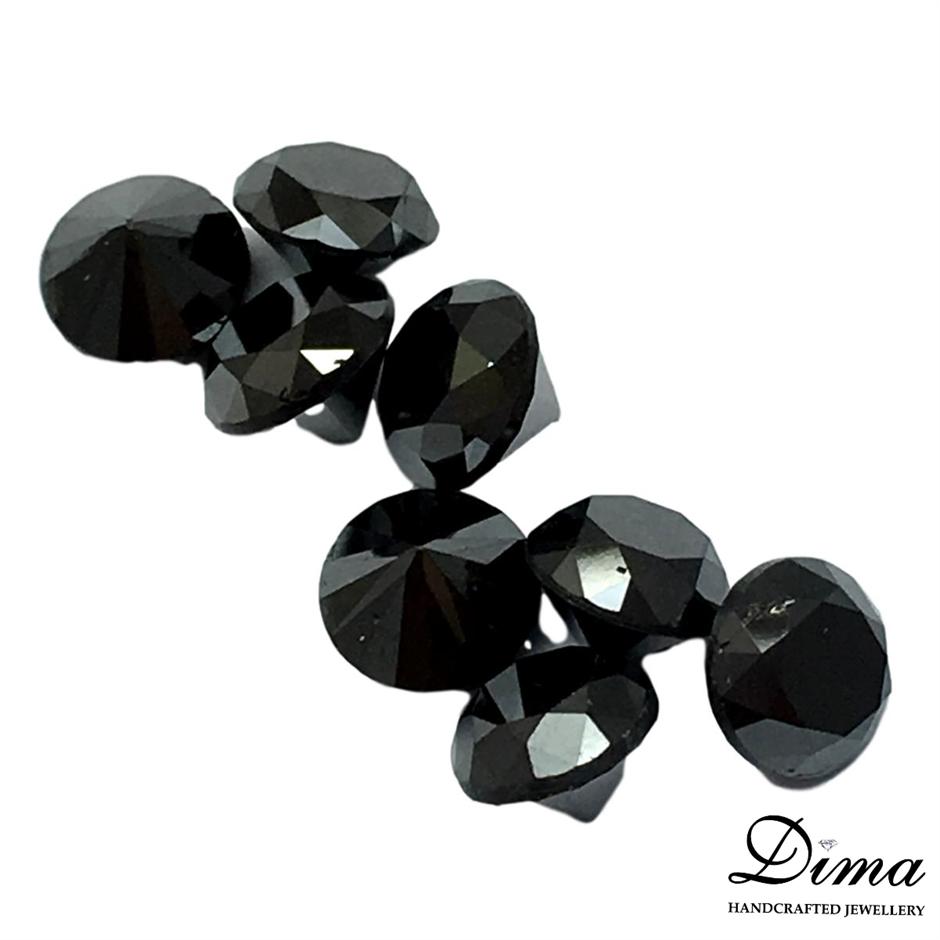 Eight Loose Diamond, 5.06ct in Total
