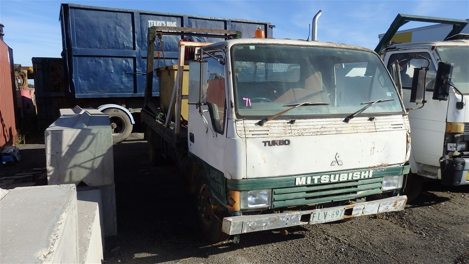 Mitsubishi 4 x 2 Skip Bin Truck