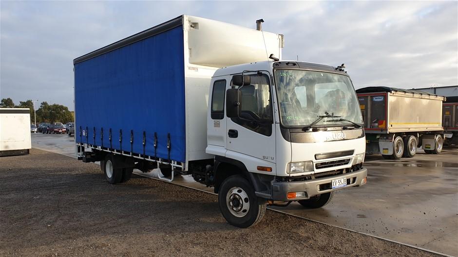 2006 Isuzu FRR550 4 x 2 Curtainsider Rigid Truck