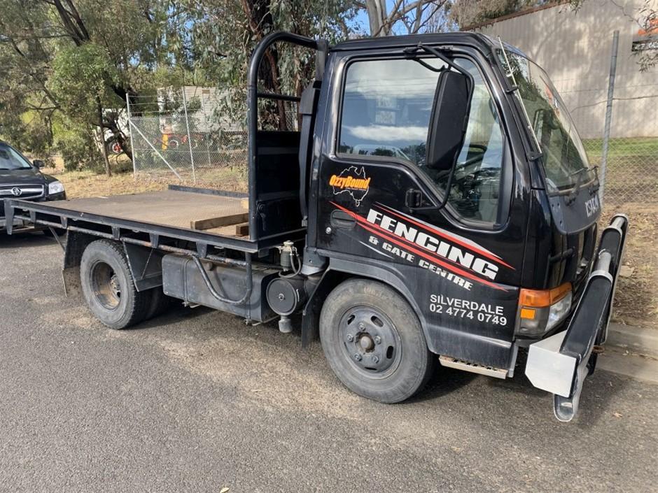 2004 Isuzu NKR Flat Bed Truck (Repairable Write Off)