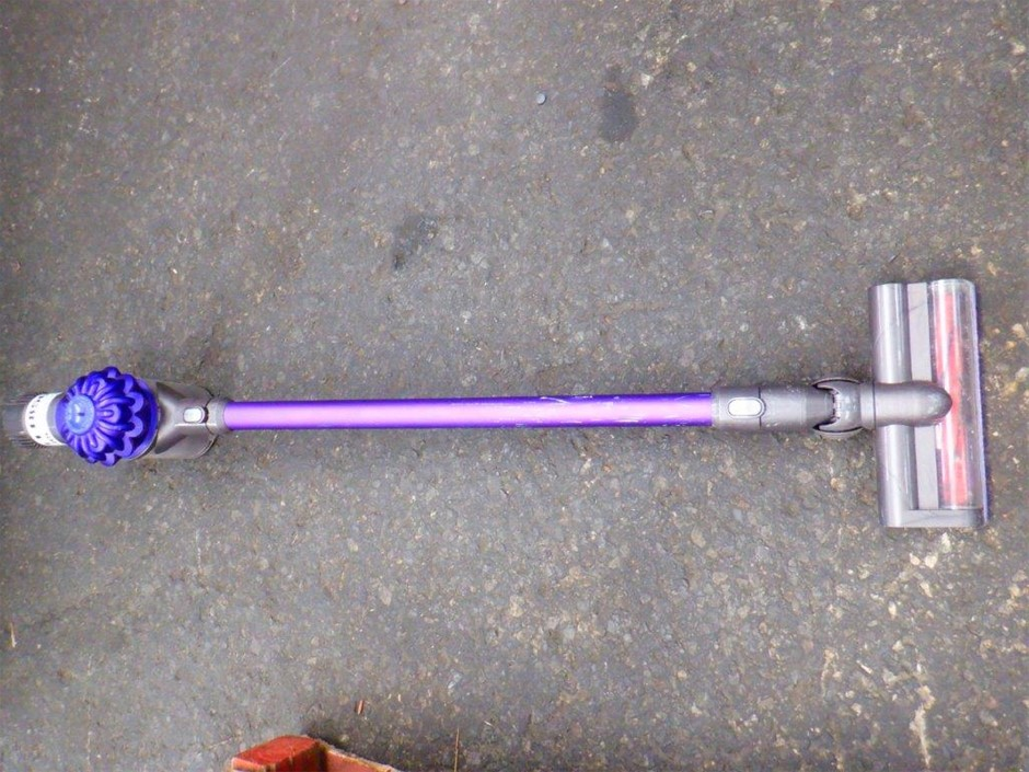Dyson Hand Stick V6 Animal Vacuum Cleaner