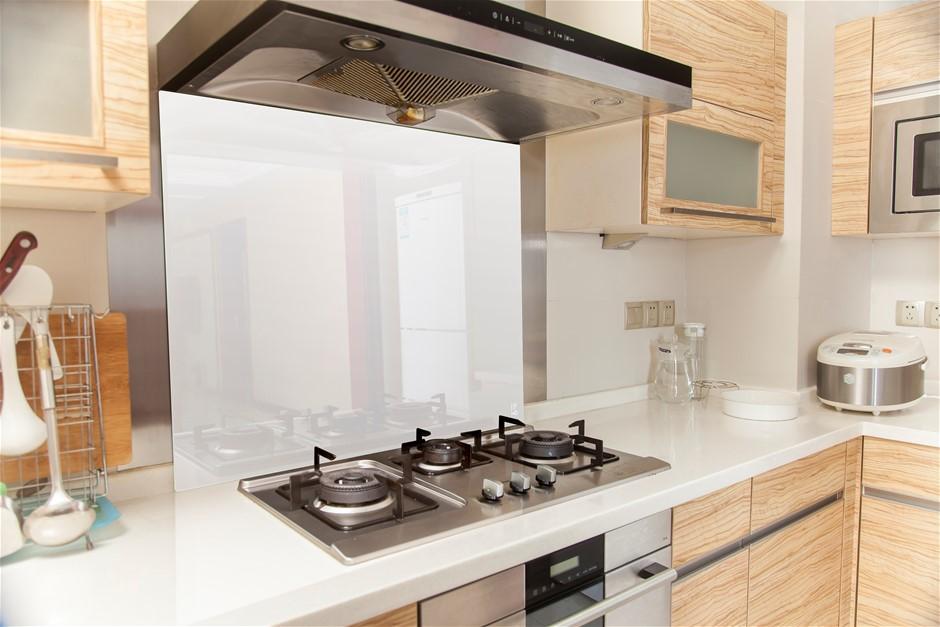 Toughened 90cm x 75cm White Glass Kitchen Splashback