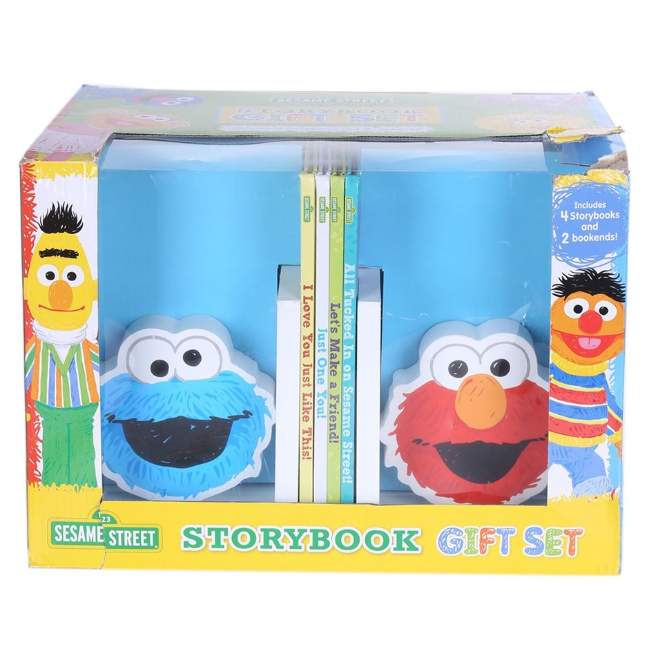 SESAME STREET Storybook Gift Set. Buyers Note - Discount Freight Rates Appl