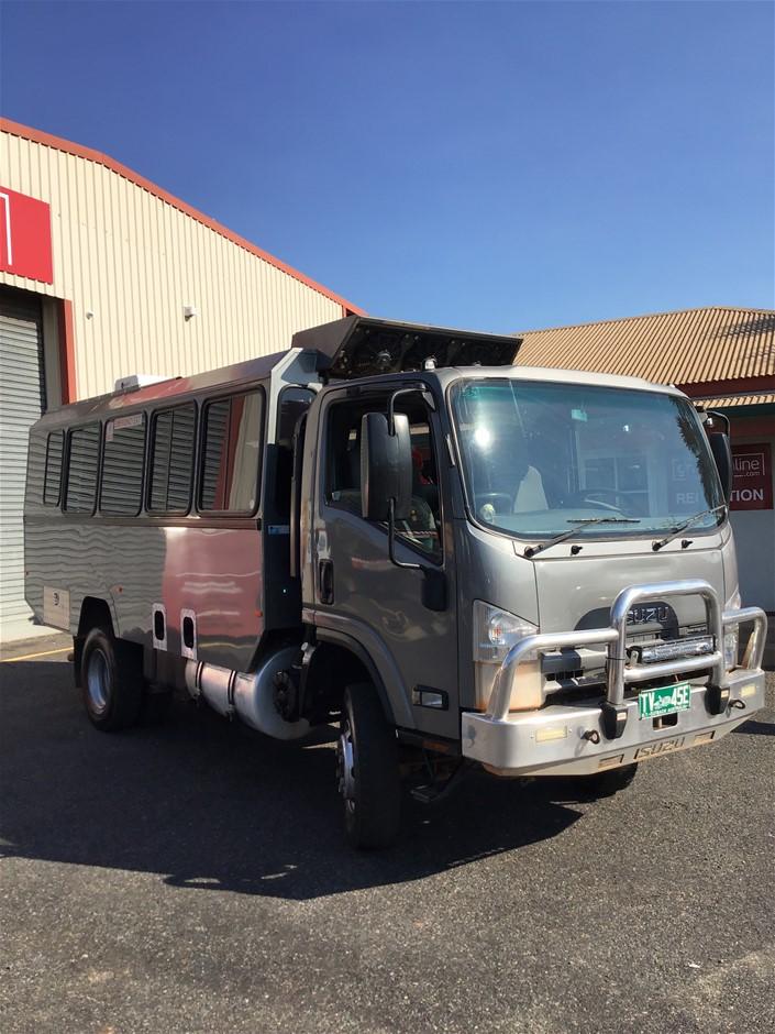 2014 Isuzu Nps 300 4 x 4 Cab Chassis Truck