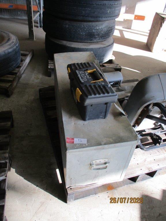Galvanised Toolbox & Plastic Toolbox