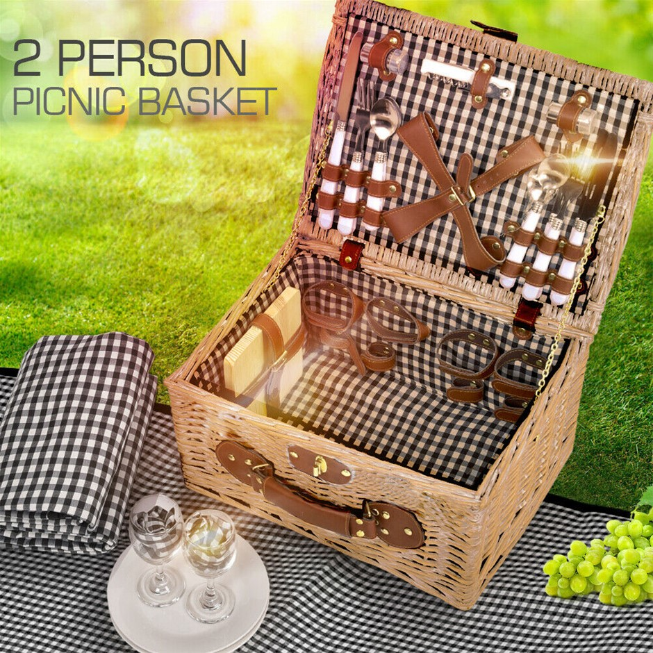 4 Person Picnic Basket Baskets Set Outdoor Blanket Deluxe Wicker Storage