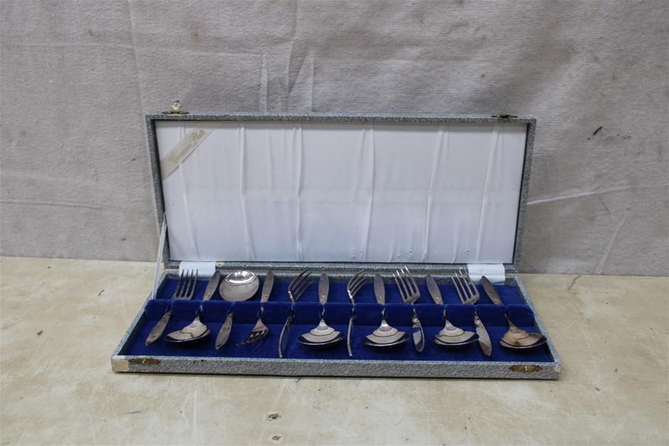 Grosvenor Plate Cutlery Set